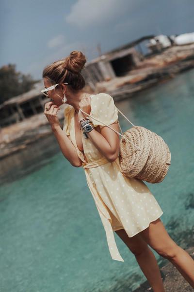 b a r t a b a c blogger dress shoes bag sunglasses summer outfits yellow dress
