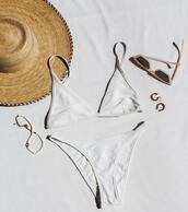 swimwear,hat