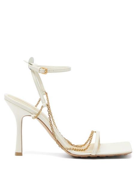 Bottega Veneta - Stretch Chain-embellished Leather Sandals - Womens - Ivory