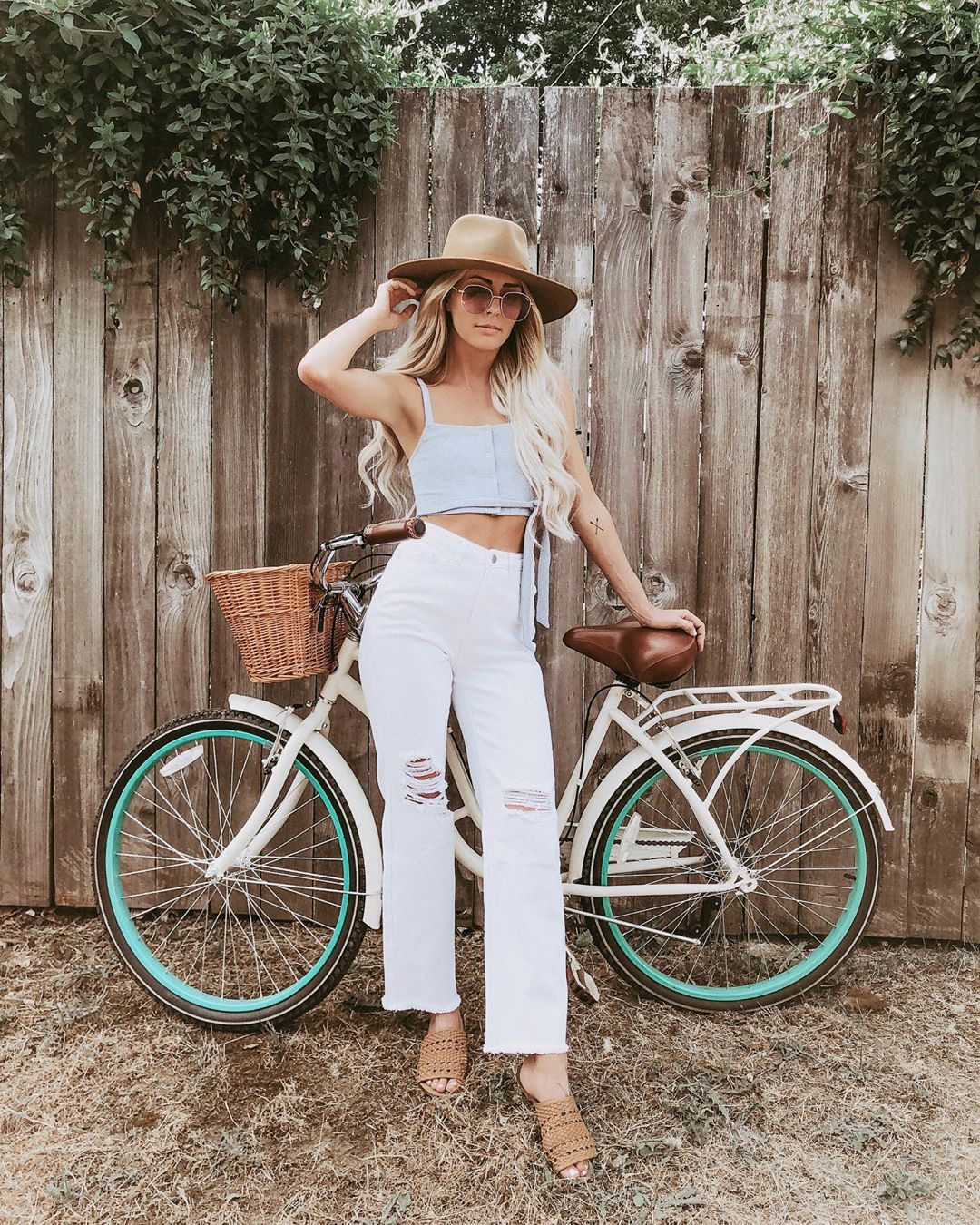 jeans cropped jeans white jeans high waisted jeans crop tops hat