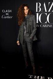 jacket,blazer,suit,pants,grey,zendaya,celebrity,shirt