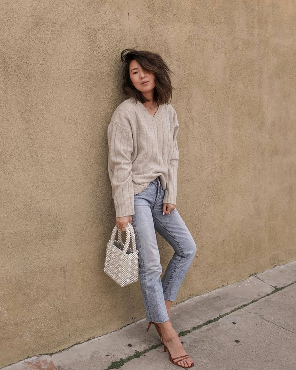 shoes sandal heels high waisted jeans cropped jeans straight jeans handbag sweater v neck