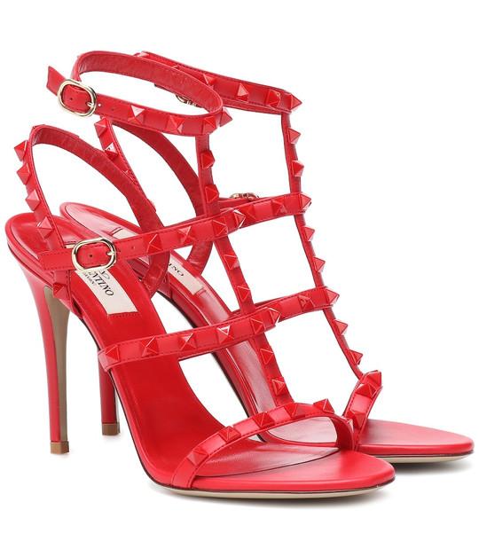 Valentino Garavani Rockstud leather sandals in red