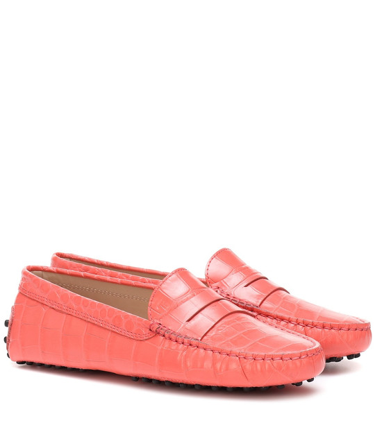 Tod's Gommino croc-effect leather loafers in pink