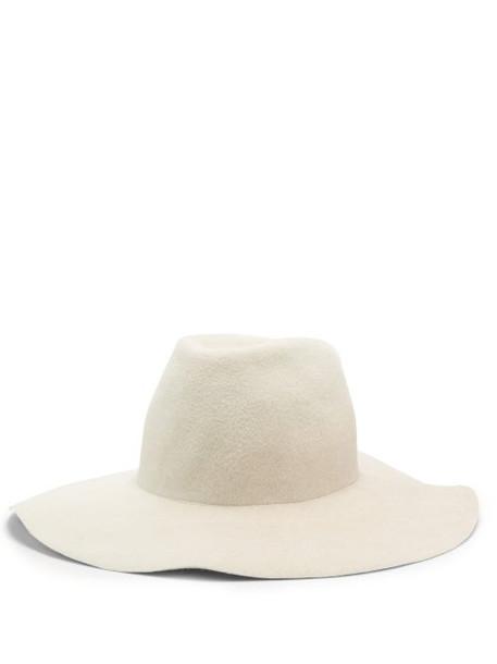 Reinhard Plank Hats - Moulded Felt Hat - Womens - White