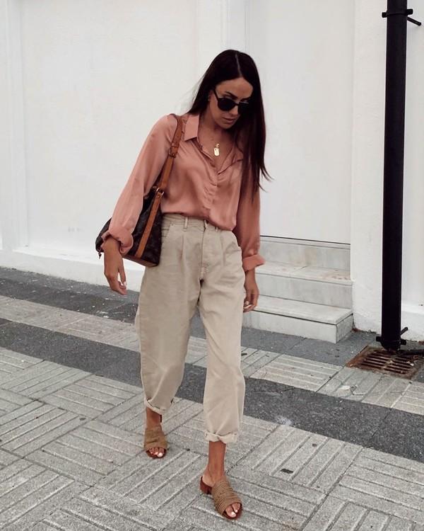 pants high waisted pants pleated slide shoes shirt shoulder bag