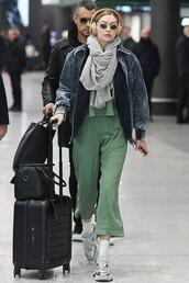jacket,gigi hadid,celebrity,model off-duty,pants,sweatshirt