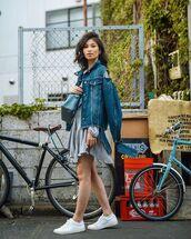 jacket,denim jacket,mini dress,white sneakers,grey dress,blue bag
