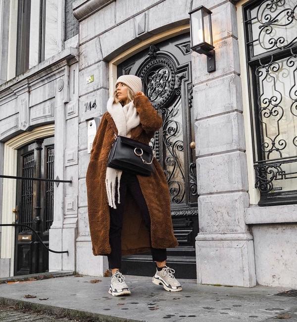 coat teddy bear coat brown coat h&m black pants sneakers black bag scarf beanie