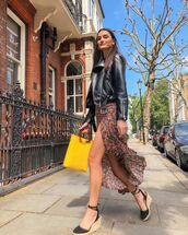 skirt,asymmetrical skirt,slit skirt,floral skirt,pull and bear,platform sandals,yellow bag,black leather jacket