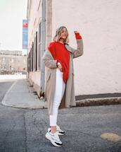 shoes,pants,white pants,top,sweatshirt,coat