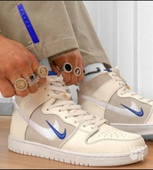 shoes,nike,blue,sneakers,sports shoes,beige,swoosh