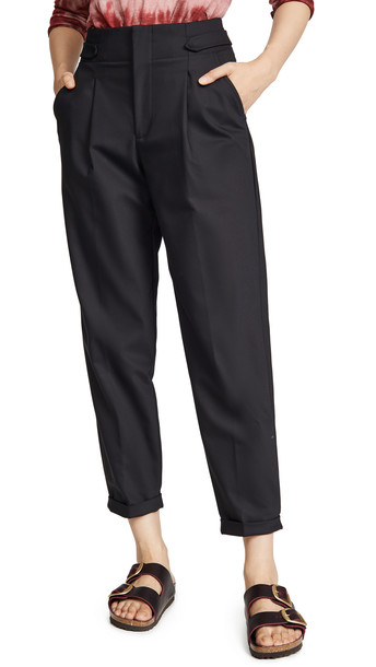 Closed Bay Pants in black