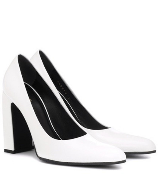 Balenciaga Leather pumps in white