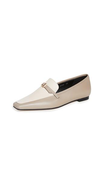 Yuul Yie Amélie Loafers in grey / cream