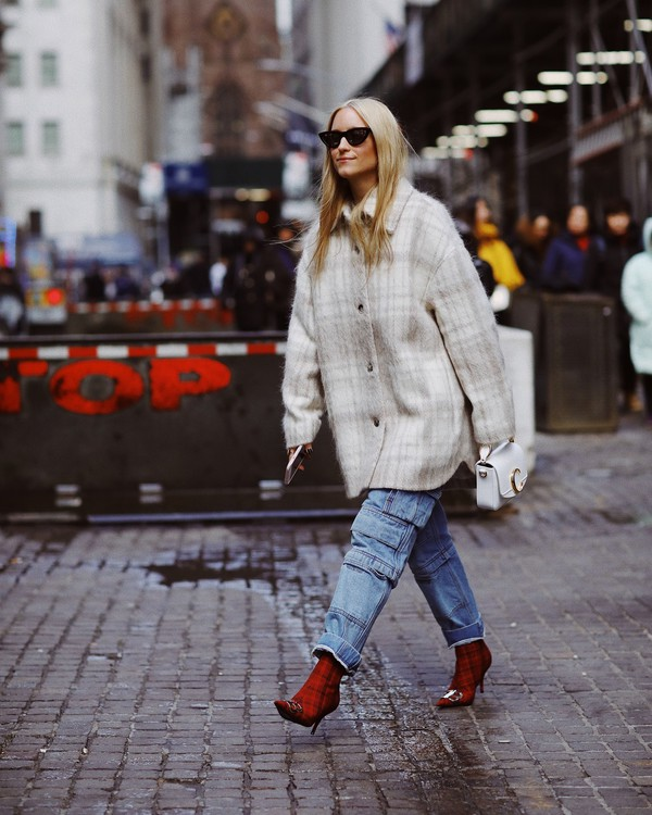 jeans high waisted jeans balenciaga plaid red boots heel boots oversized jacket white bag handbag chloe