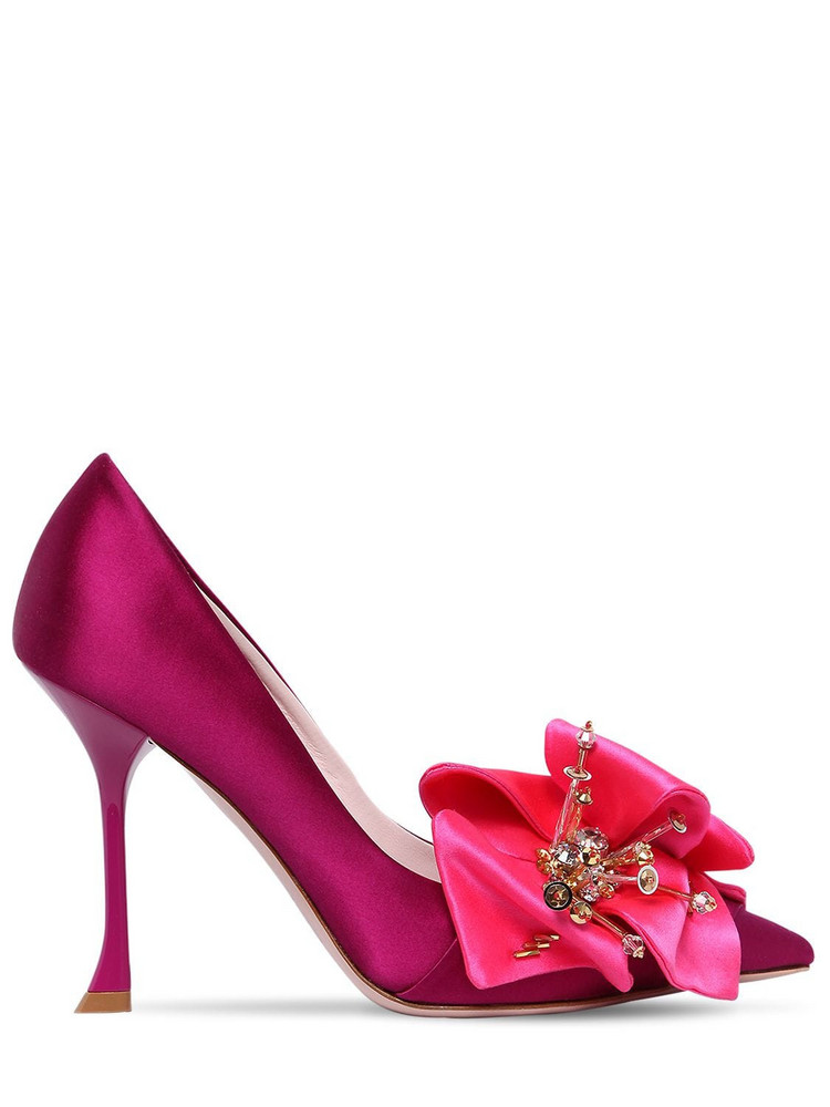 ROGER VIVIER 100mm Satin Pumps W/ Flower Appliqué in pink / fuchsia