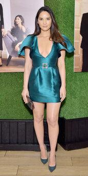 bag,satin dress,satin,emerald dress,emerald green dress,olivia munn,celebrity,mini dress,plunge dress,clutch