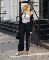 top,white top,black pants,wide-leg pants,black blazer,black sandals,black bag