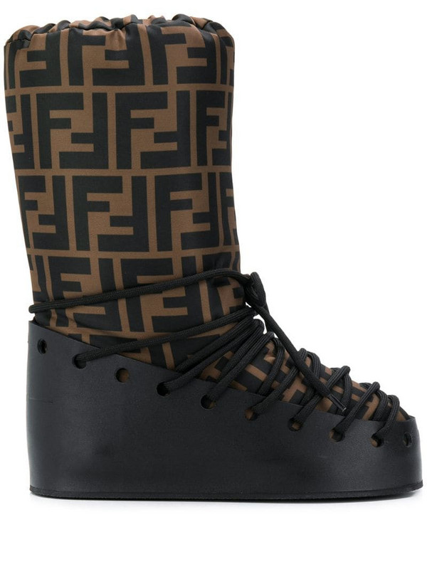 Fendi FF motif moon boots