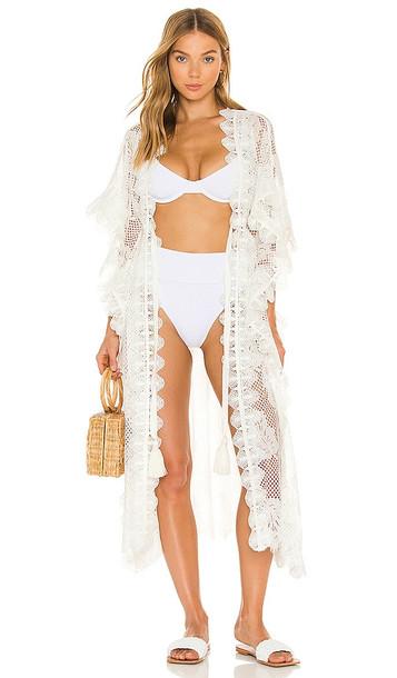 Waimari Regatta Kimono in White