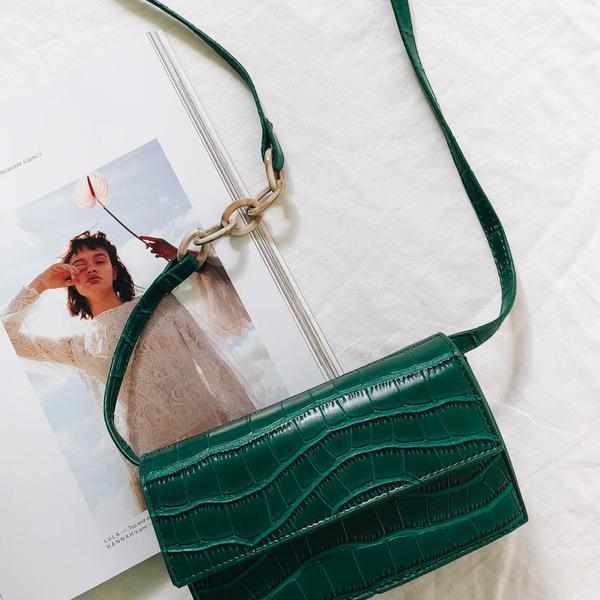 The Exhibitionist Shoulder Bag // Green