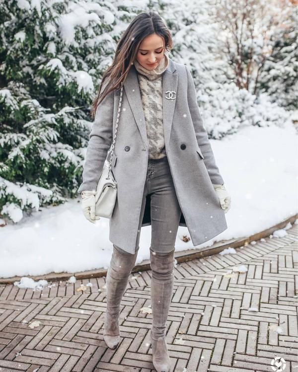 shoes over the knee boots suede boots grey boots grey jeans grey coat white bag shoulder bag gloves turtleneck sweater