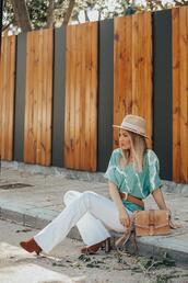 mi aventura con la moda,blogger,blouse,jeans,bag,hat,t-shirt,jewels,white pants,blue top,shoulder bag,spring outfits