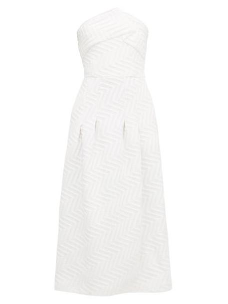 Roland Mouret - Saranda Chevron-quilted Crepe Dress - Womens - White