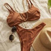 jewels,sunglasses,hat,swimwear