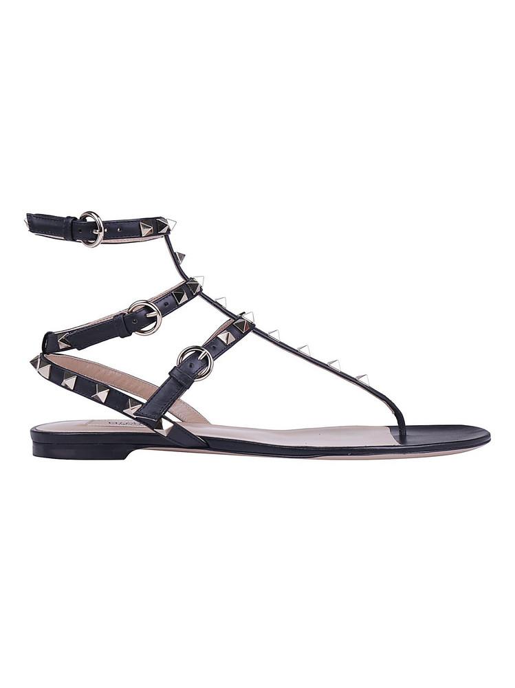 Valentino Garavani Thong Sandals in nero