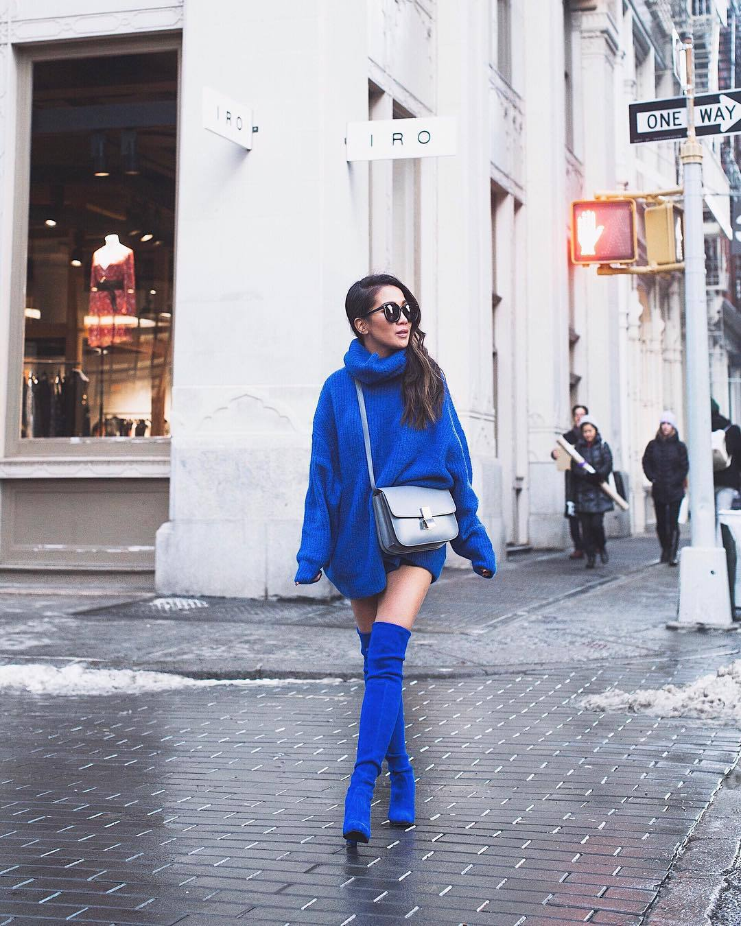 shoes over the knee boots blue boots turtleneck sweater blue sweater silver bag oversized sweater black sunglasses