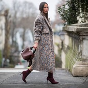 shoes,sock boots,handbag,long coat,faux fur coat,leopard print,oversized coat