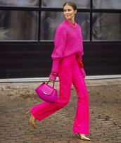 sweater,knitted sweater,pink sweater,wide-leg pants,pumps,bag