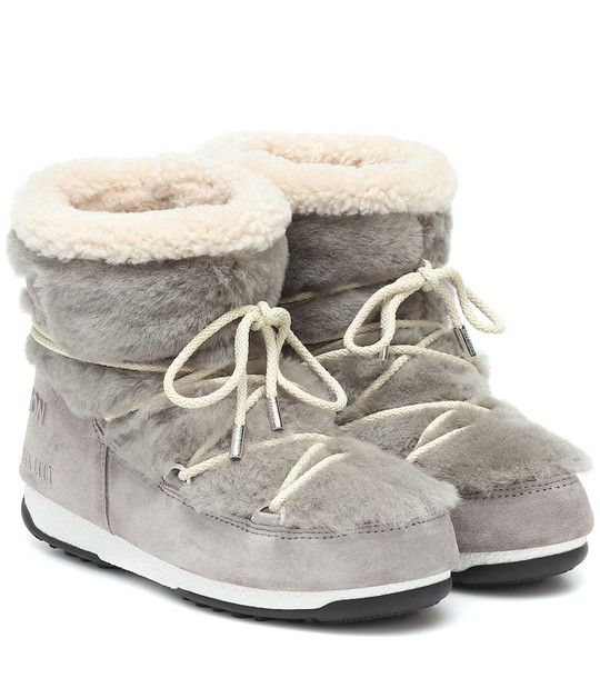 Yves Salomon x Moon Boot shearling ankle boots in grey