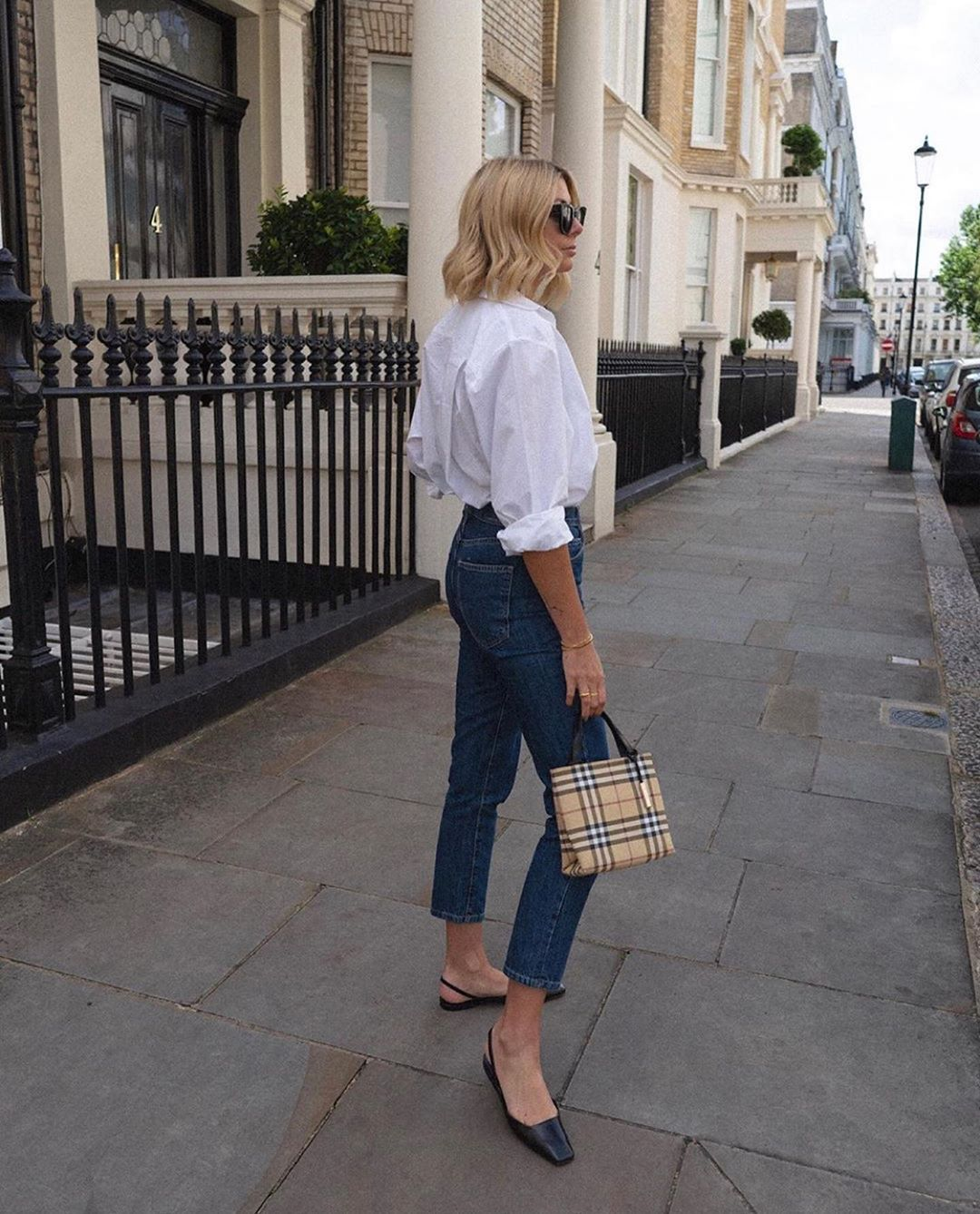 pants high waisted jeans white shirt slingbacks bag
